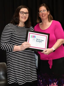 2019 Indiana high school journalist of the year winner Madelyn Knight, Southport HS and IHSPA President April Moss. Photo by Leslie Velez, Pike HS